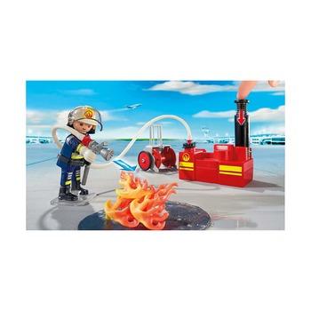 Операция по тушению пожара с водяным насосом