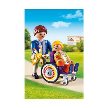 Ребенок в коляске
