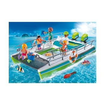 Лодка со стеклянным дном с подводным двигателем