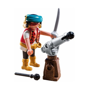 Пират с пушкой