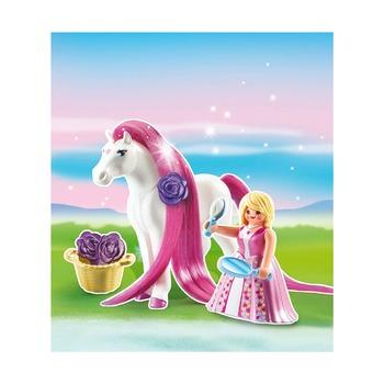 Принцесса Розали с лошадкой