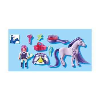 Принцесса Виола с лошадкой