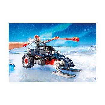 Ледяной пират со снегоходом