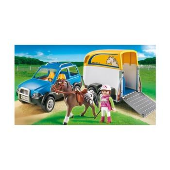 Джип с трейлером для перевозки лошадей