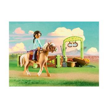 Чика и Линда с конюшней