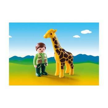 1.2.3. Смотритель зоопарка с жирафом