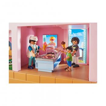 Магазин мороженого на набережной