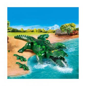 Аллигатор с малышом