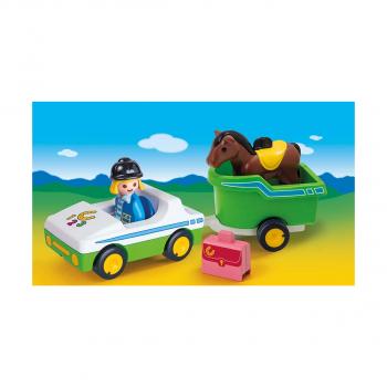 Автомобиль с прицепом для лошадей