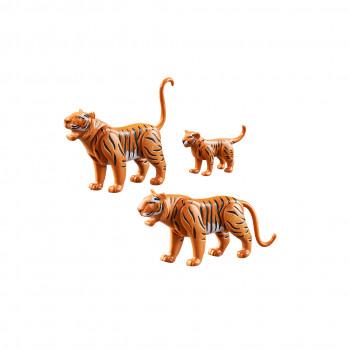 Тигр с детенышем
